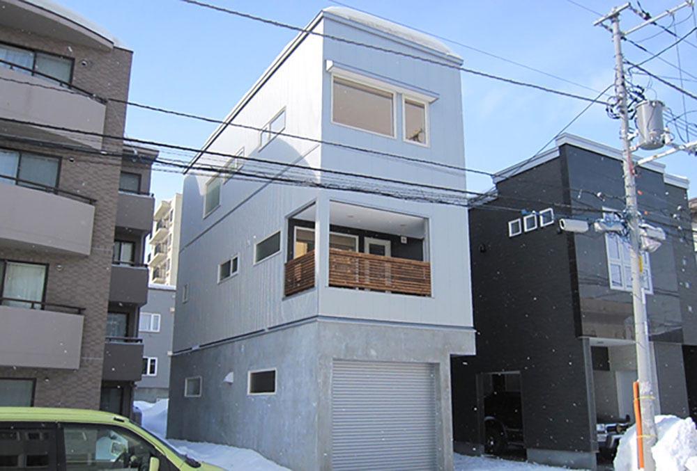 都市部・狭小地でも快適な3階建て一戸建て住宅/Y様邸(札幌市北区)