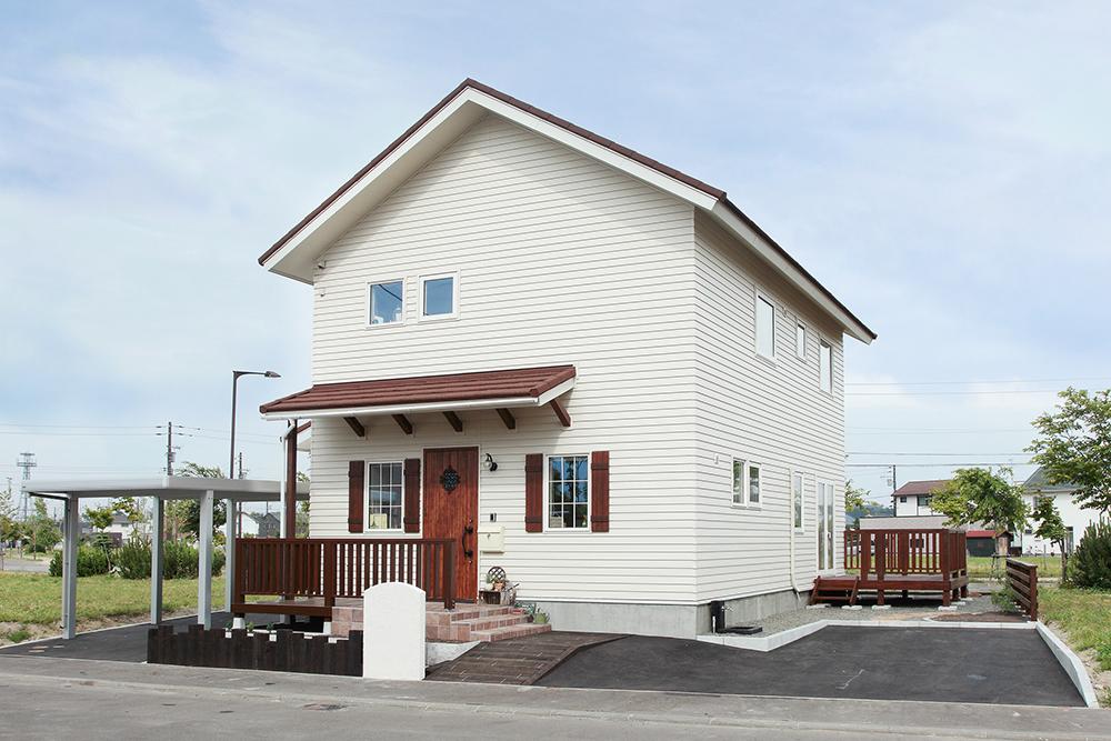 プロヴァンスの風を感じる理想の住まい/A様邸(札幌市厚別区)