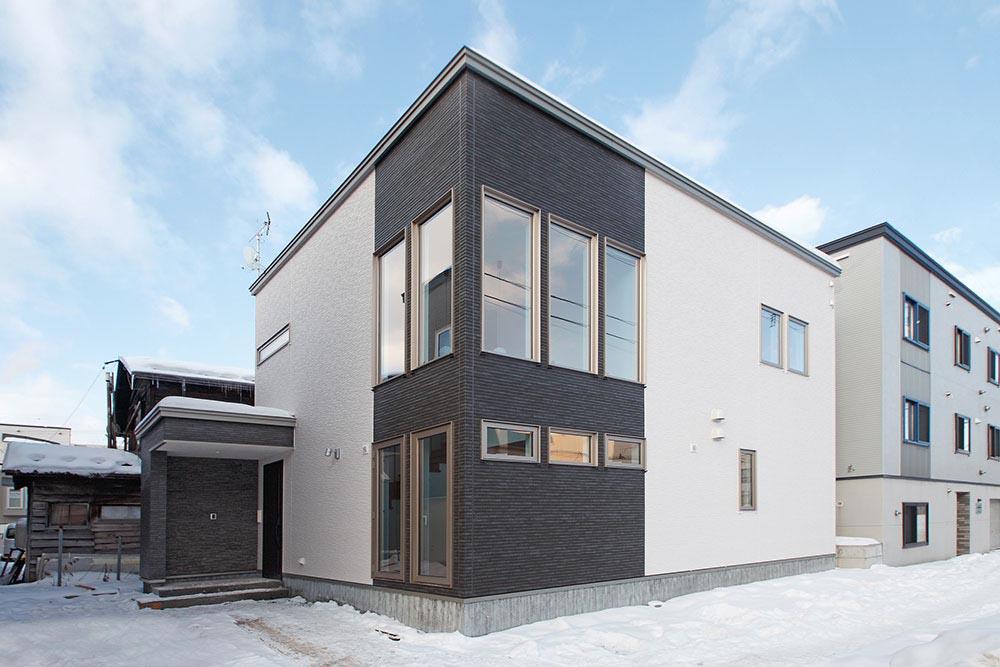 OB施主のご紹介で家づくり 日差したっぷりのLDK/M様邸(札幌市東区)