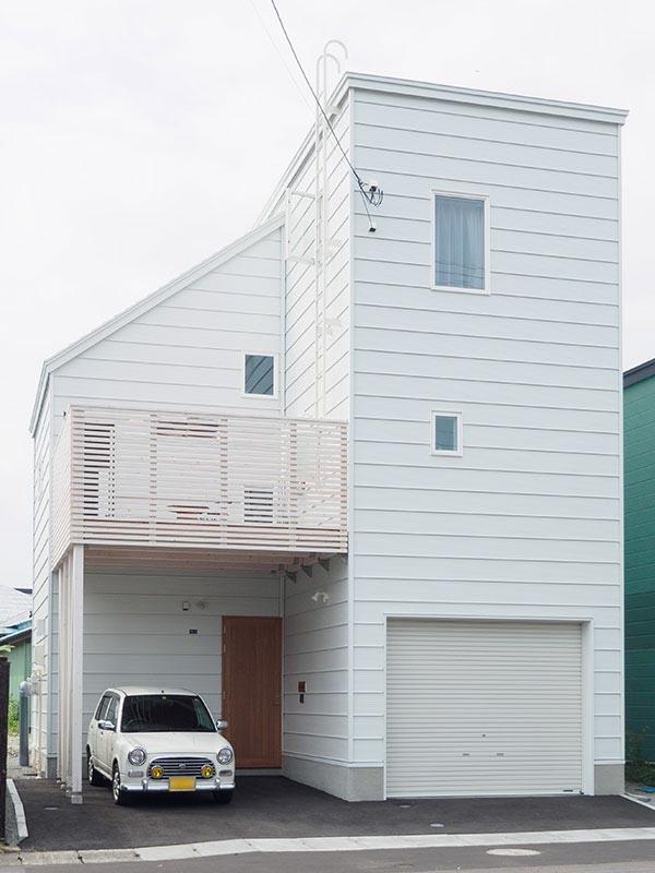 海の街・小樽に似合う白壁の3階建て住宅/小樽市Sさん