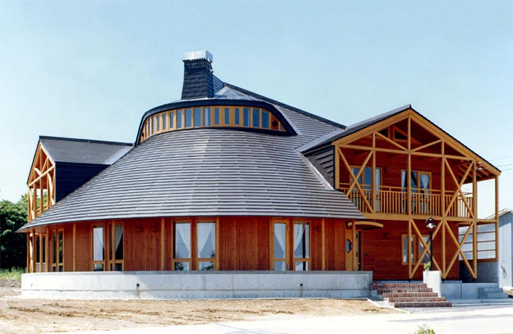 腕利き大工の技を結集。優美な曲線を描く家 / B様邸(北広島市)